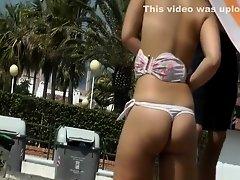 Hot blonde ass at beach on Watchteencam.com