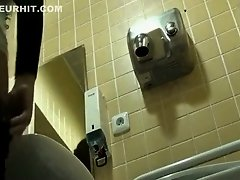 Classy lady spied when she pissed on Watchteencam.com
