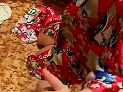 Hussian Housewife on Watchteencam.com