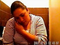 big girl toilet on Watchteencam.com