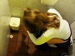 Cute teeen in the toilet on Watchteencam.com