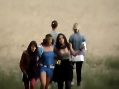 Drunk group of girls stopping to pee on Watchteencam.com