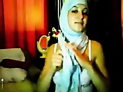 hijab angel fingering on Watchteencam.com