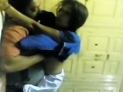 Boy Auntie in Masti on Watchteencam.com
