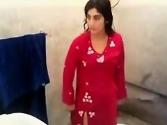 Hot Pakistani Rida Khan on Watchteencam.com
