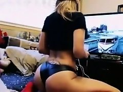The sexiest video gamer ever born on Watchteencam.com
