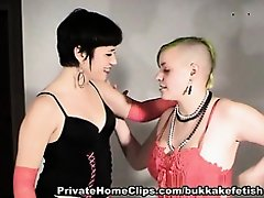 Goth Honeys Love Make Water on Watchteencam.com