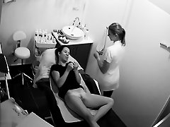 ladies salon on Watchteencam.com