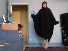sexy beurette en hijab et jilbab on Watchteencam.com
