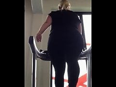pawg at the gym on Watchteencam.com