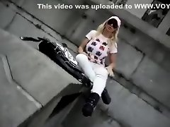 Her black thong poked out of white pants on Watchteencam.com