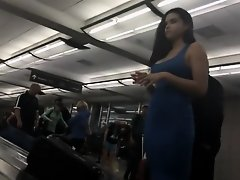 Beauty gets her baggage at airport on Watchteencam.com