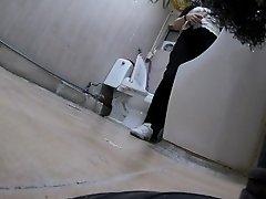 Korean girls peeing on toilet spy on Watchteencam.com