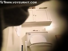 Sister's friend takes a long piss in the bathroom on Watchteencam.com